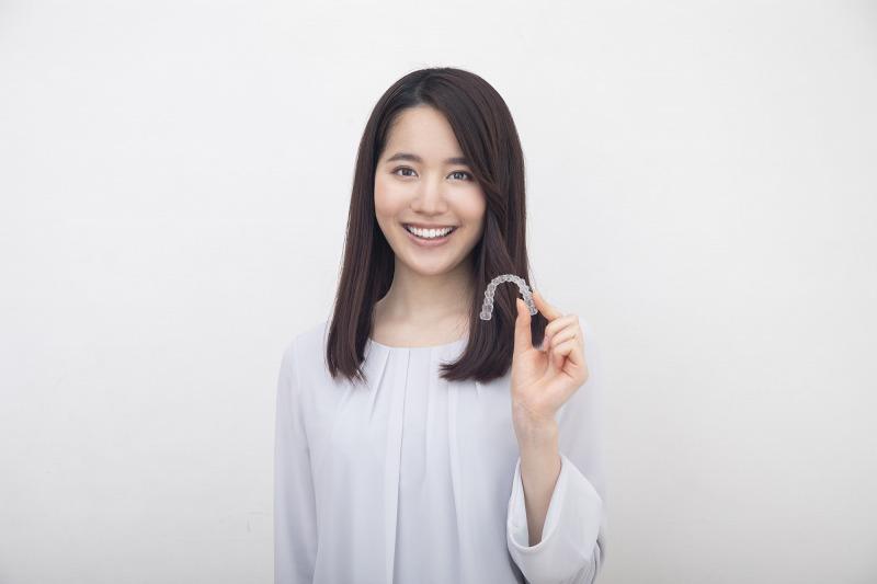 3次元シミュレーションで矯正完了までの歯の移動の様子がご自身でも確認できるので、治療へのモチベーションもアップします。